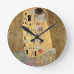 Le baiser, 1907-08 (huile sur la toile) horloge ronde
