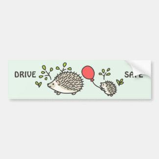 Le ballon rouge du hérisson de bébé autocollant de voiture