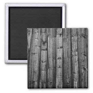 Le bois patiné gris embarque la texture magnet carré