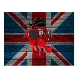Le chapeau rouge de mode fraîche chausse le drapea cartes postales