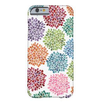 Le dahlia d'aquarelle d'arc-en-ciel fleurit la cai coque barely there iPhone 6