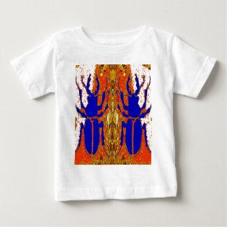 Le scarabée de Staghorn jumelle des cadeaux d'or Tee-shirt