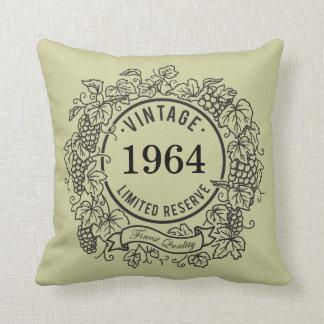 Le timbre vintage de vin de vigne, ajoutent l'anné oreillers