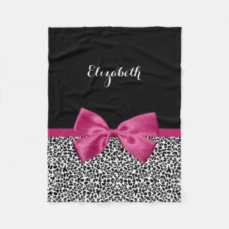 Lebhafter dunkler rosa Band-Leopard-Druck mit Fleecedecke