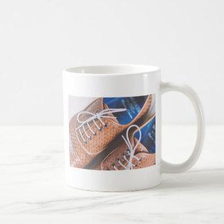 Lederne Snakeskin Brown Schuhe Kaffeetasse
