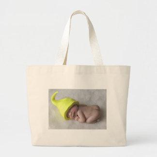 Lehm-Baby, das auf Bauch, Elf-Hut, Skulptur Jumbo Stoffbeutel
