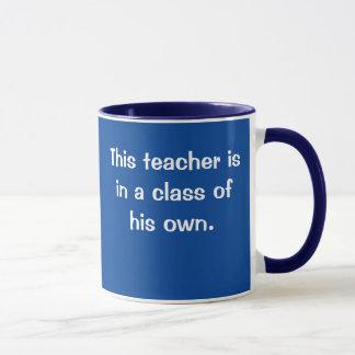 Lehrer in der Klasse eigenen lustigen männlichen Tasse
