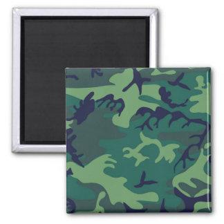 Les militaires verts frais camouflent la magnet carré