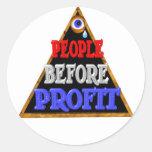 Leute vor Gewinne Occupy Wall Streetprotest Runde Sticker