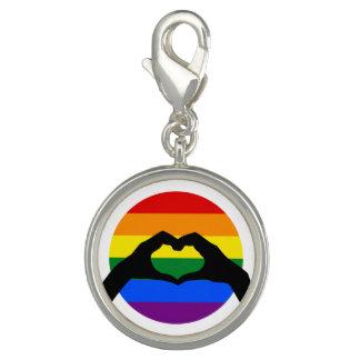 LGBT Gay Pride-Regenbogen-und Herz-HandSilhouette Charm