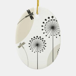 Libelle auf einer Blume Ovales Keramik Ornament