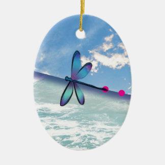 Libelle-Meerhimmel Ovales Keramik Ornament