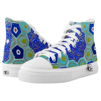 Licht und dunkelblaues hoch-geschnittene sneaker