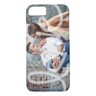 """""""Liebe"""" addieren Ihr Foto iPhone 7 Hülle"""