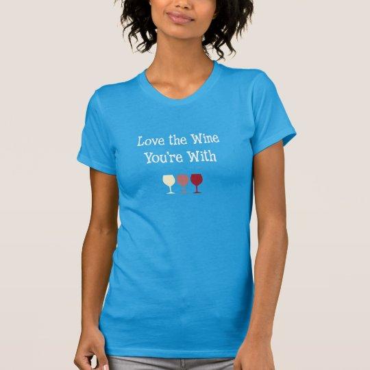Liebe der Wein sind Sie mit T-Shirt