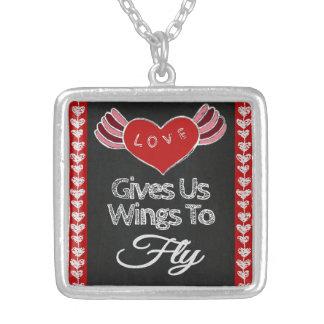 Liebe gibt uns Flügel-Halskette Versilberte Kette