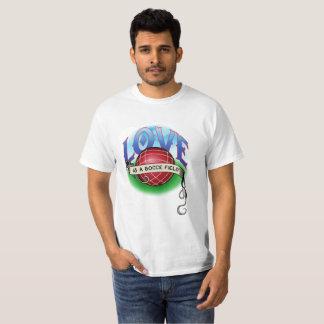 Liebe ist Feld s Bocce T-Shirt