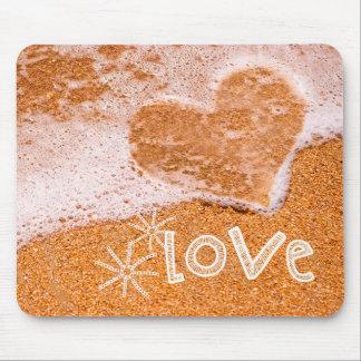 Liebe. Strand-Thema-Valentinstag-Geschenk Mousepads