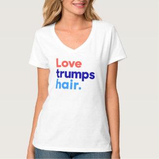 """""""LIEBE TRUMPS HAAR """" T-Shirt"""
