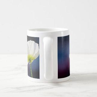 Light white flower tasse