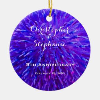 Lila abstrakte Jahrestags-Weihnachtsverzierung Rundes Keramik Ornament