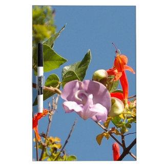 Lila Baum-Orchidee und orange Blumen Memoboard