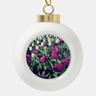 Lila Blumen-Verzierung Keramik Kugel-Ornament