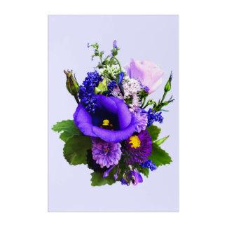 Lila Blumenstrauß mit Lilien und Delphinium Acryldruck