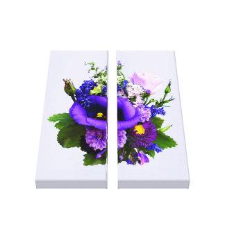 Lila Blumenstrauß mit Lilien und Delphinium Leinwanddruck