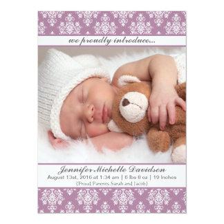 Lila Damast-Baby-Mädchen-Geburts-Mitteilungen Karte