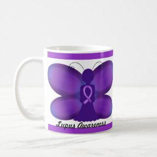 Lila feenhafter Schmetterling des Kaffeetasse