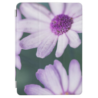 Lila Gänseblümchen iPad Air Hülle