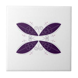 Lila Mandala auf Weiß Keramikfliese
