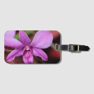 Lila Orchidee nach dem Regen Kofferanhänger