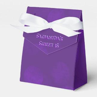 Lila Schein personalisiert Geschenkschachteln