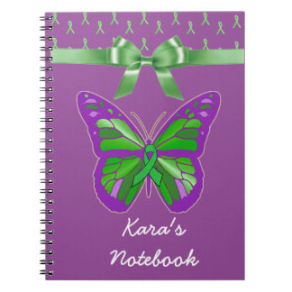 Lila Schmetterling mit Lyme grünem Band Notizblock