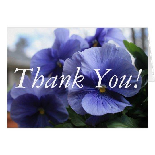 Lila Stiefmütterchen-Foto danken Ihnen zu Mitteilungskarte