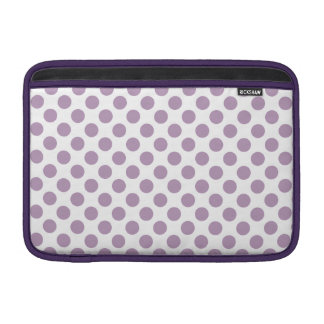 Lila Tupfen MacBook Air Sleeve