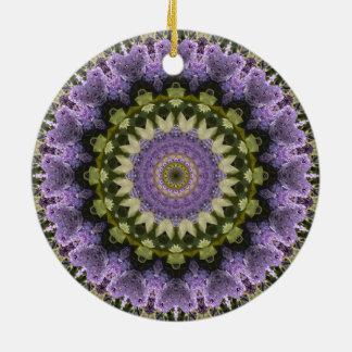 "Lila und grüner Blumen""lila lila"" Mandala Rundes Keramik Ornament"