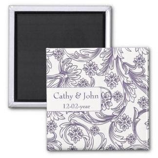 Lila und weiße Blumenfrühlings-Hochzeit Quadratischer Magnet