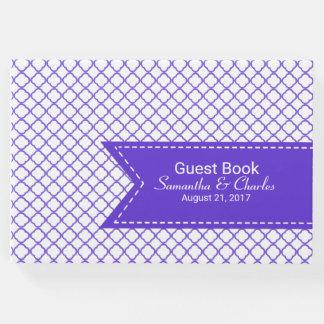Lila und weißes Quatrefoil Hochzeits-Gast-Buch Gästebuch