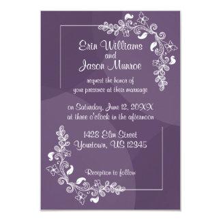 Lila weiße Blumenhochzeits-Einladung Karte
