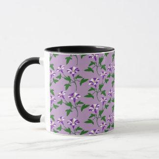 Lila Winden-Blumenmuster Tasse