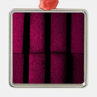 Lila Ziegelsteine Quadratisches Silberfarbenes Ornament