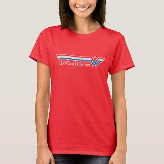Logo blanc de femme de merveille et bleu rouge t-shirt