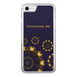 Lotus-Mandala (Hennastrauch) (golden) Carved iPhone 7 Hülle