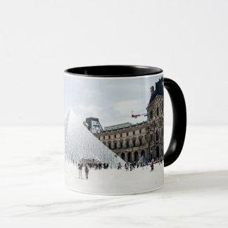 Louvre im weißen Winter Paris Tasse