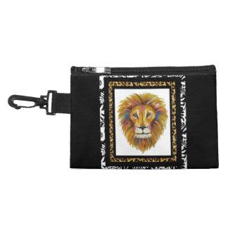 Löwe-Klipp auf zusätzlicher Tasche zwei