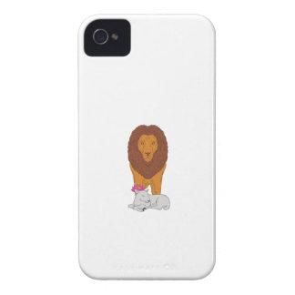 Löwe stehend über dem Lamm-Lotos-Blumen-Zeichnen iPhone 4 Cover