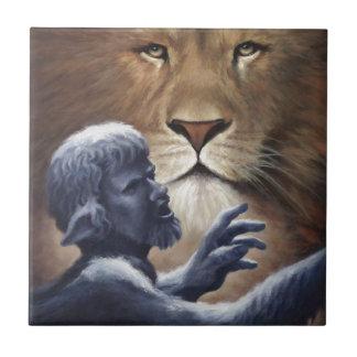 Löwe und Statue Kachel